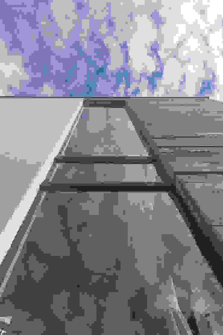 Casa E Portas e janelas modernas por PJV Arquitetura Moderno