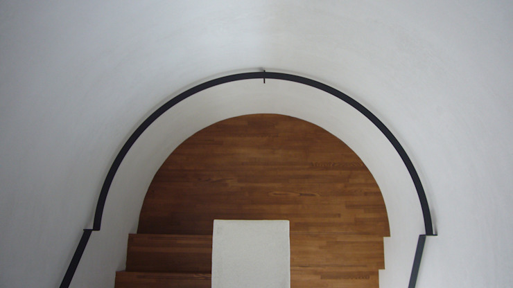 中津O邸 Nakatsu O house オリジナルスタイルの 玄関&廊下&階段 の 一級建築士事務所たかせao オリジナル 木 木目調
