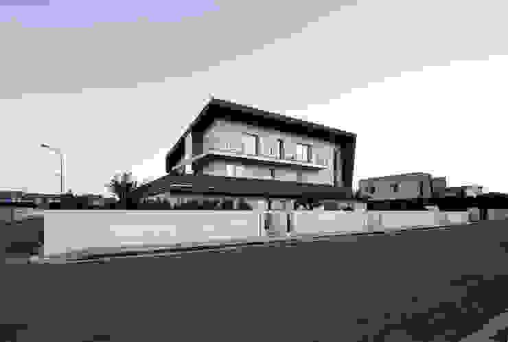 Casas modernas por Vincenzo Leggio Architetto Moderno
