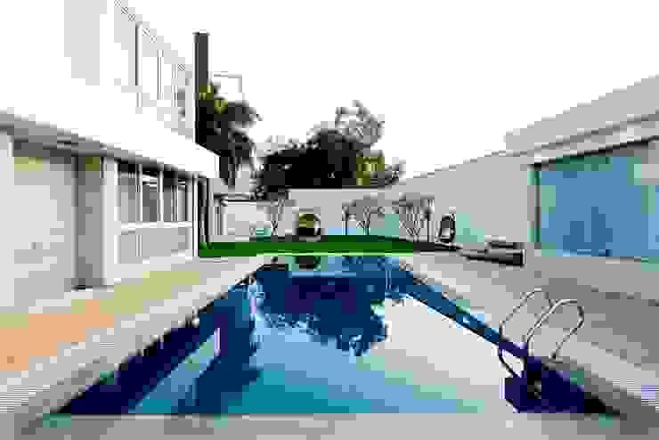 Peacock and the Woods Modern pool by Aijaz Hakim Architect [AHA] Modern
