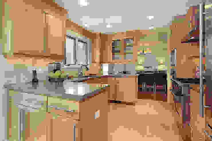 Piwko-Bespoke Fitted Furniture CocinaArmarios y estanterías Aglomerado Acabado en madera