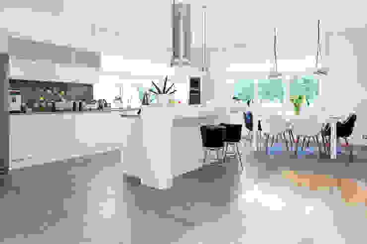 mieszkanie- Połczyn Zdrój: styl , w kategorii Kuchnia zaprojektowany przez Kameleon - Kreatywne Studio Projektowania Wnętrz,Nowoczesny