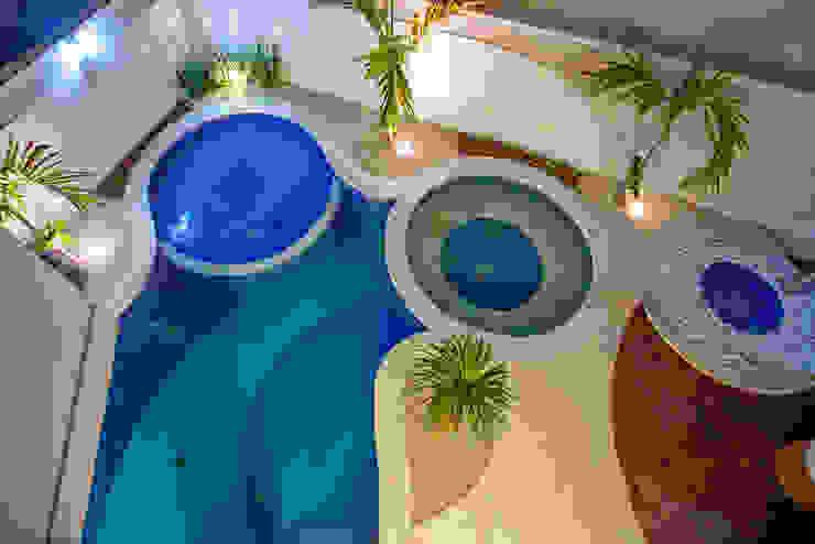 Piscinas de estilo moderno de Arquiteto Aquiles Nícolas Kílaris Moderno Hormigón