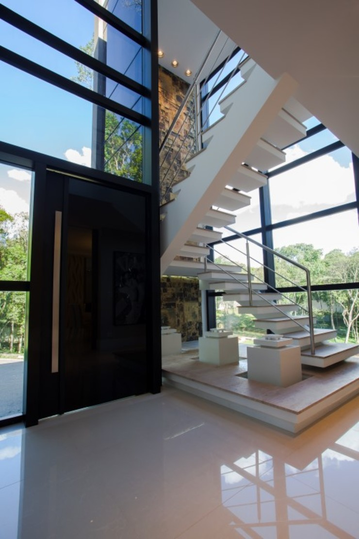 LimaRamos & Arquitetos Associados Modern corridor, hallway & stairs