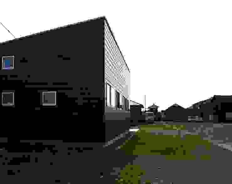 M-House モダンな 家 の SO-DESIGN建築設計室 モダン 金属