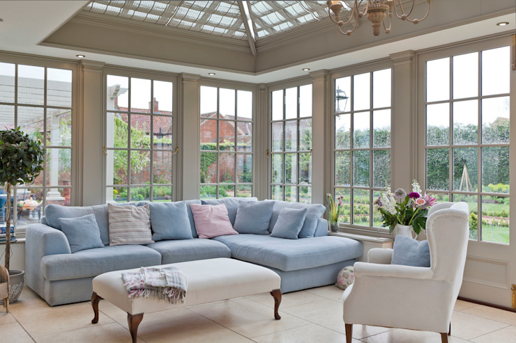 A Living Room Conservatory Classic style conservatory by Vale Garden Houses Classic Wood Wood effect
