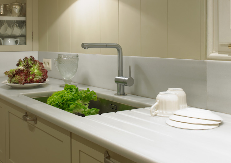 Klasyczna kuchnia od DEULONDER arquitectura domestica Klasyczny