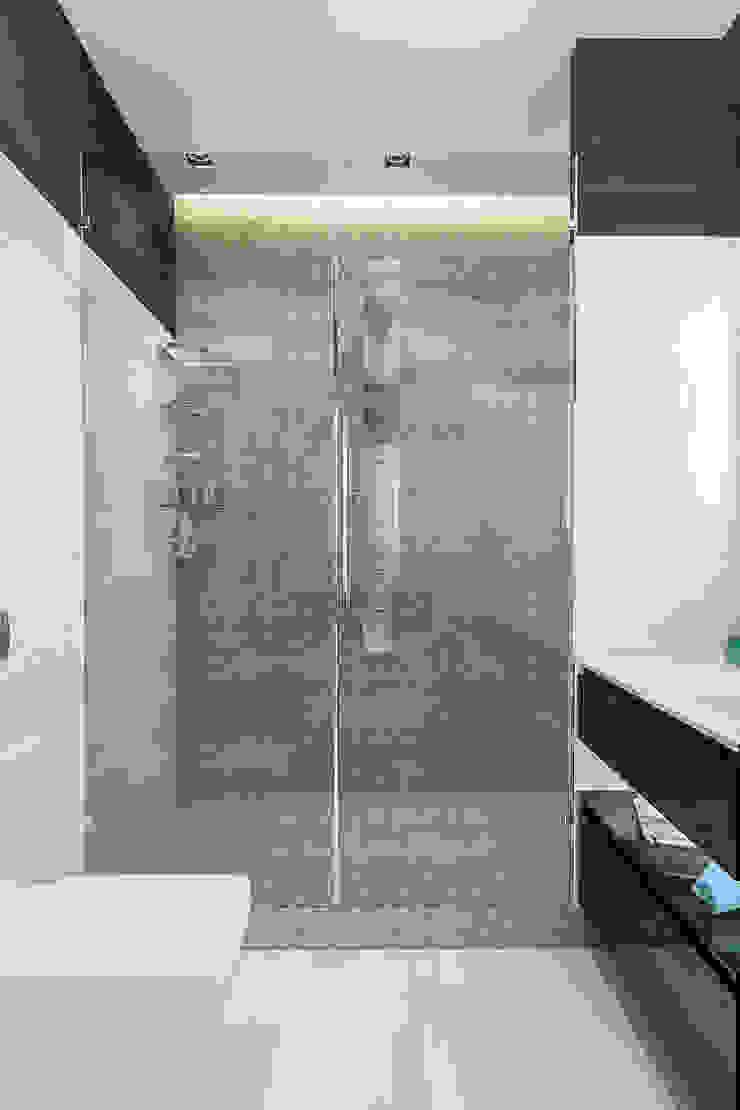 INTERIERIUM Minimalist style bathroom