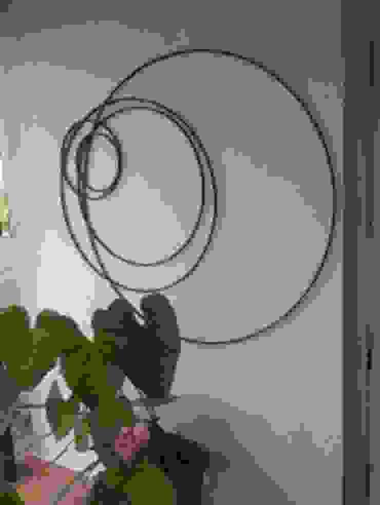 Circle Of Life: modern  by Designmint,Modern Iron/Steel