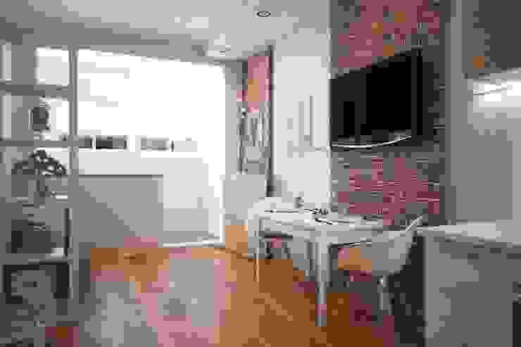 Scandinavian style dining room by Pure Design Scandinavian