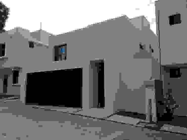Casas de estilo  por Constructora e Inmobiliaria Catarsis,