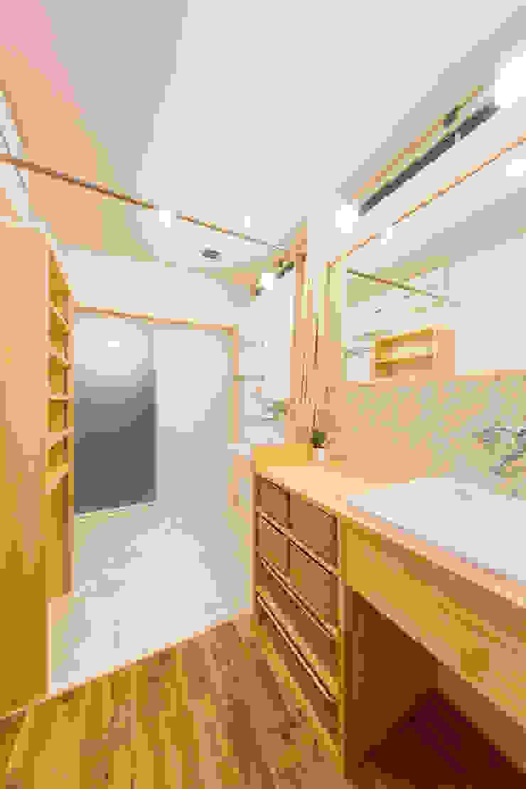 松原の家。 モダンスタイルの お風呂 の 株式会社ルティロワ 一級建築士事務所 モダン