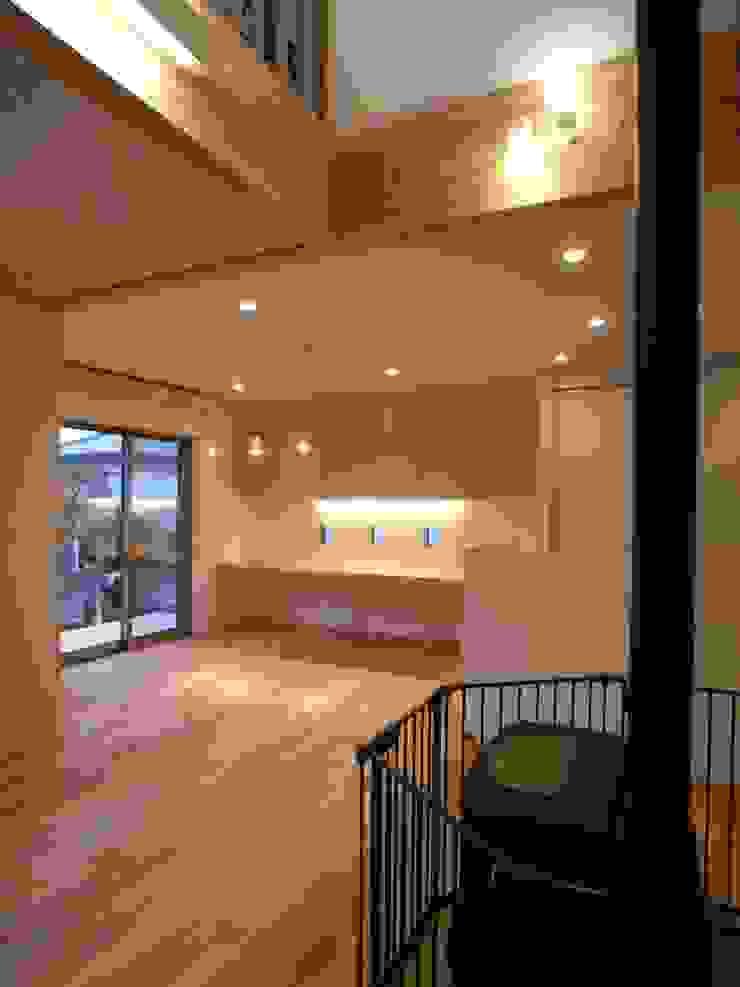 豊能町の家 モダンデザインの リビング の 株式会社 atelier waon モダン