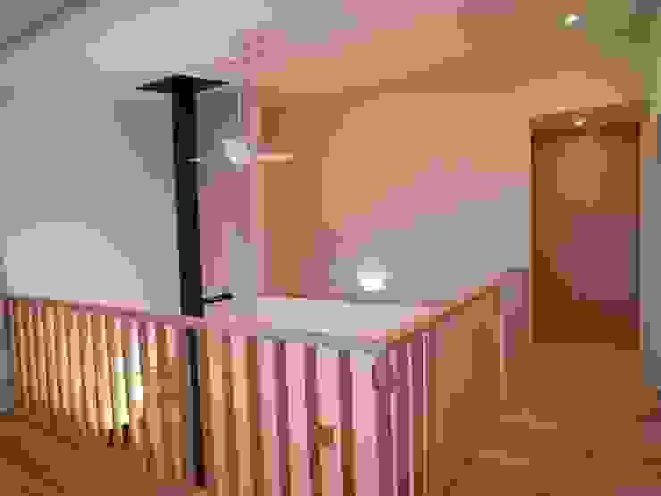 豊能町の家 モダンデザインの 多目的室 の 株式会社 atelier waon モダン