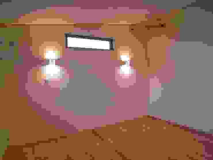 豊能町の家 モダンスタイルの寝室 の 株式会社 atelier waon モダン