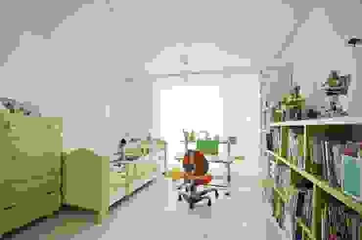 노은동 열매마을 9단지 115 M2: 도노 디자인 스튜디오의  아이방,모던