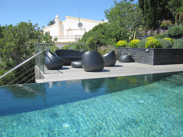 Moderne Pools von Smokesignals - Home & Contract Concept Lda Modern