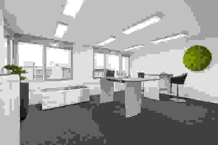 Wohninvest_011 Moderne Bürogebäude von PFERSICH Büroeinrichtungen GmbH Modern