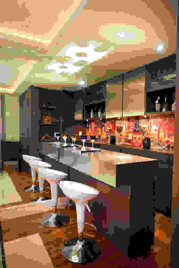 Apartamento Butantã Adegas modernas por Samy & Ricky Arquitetura Moderno