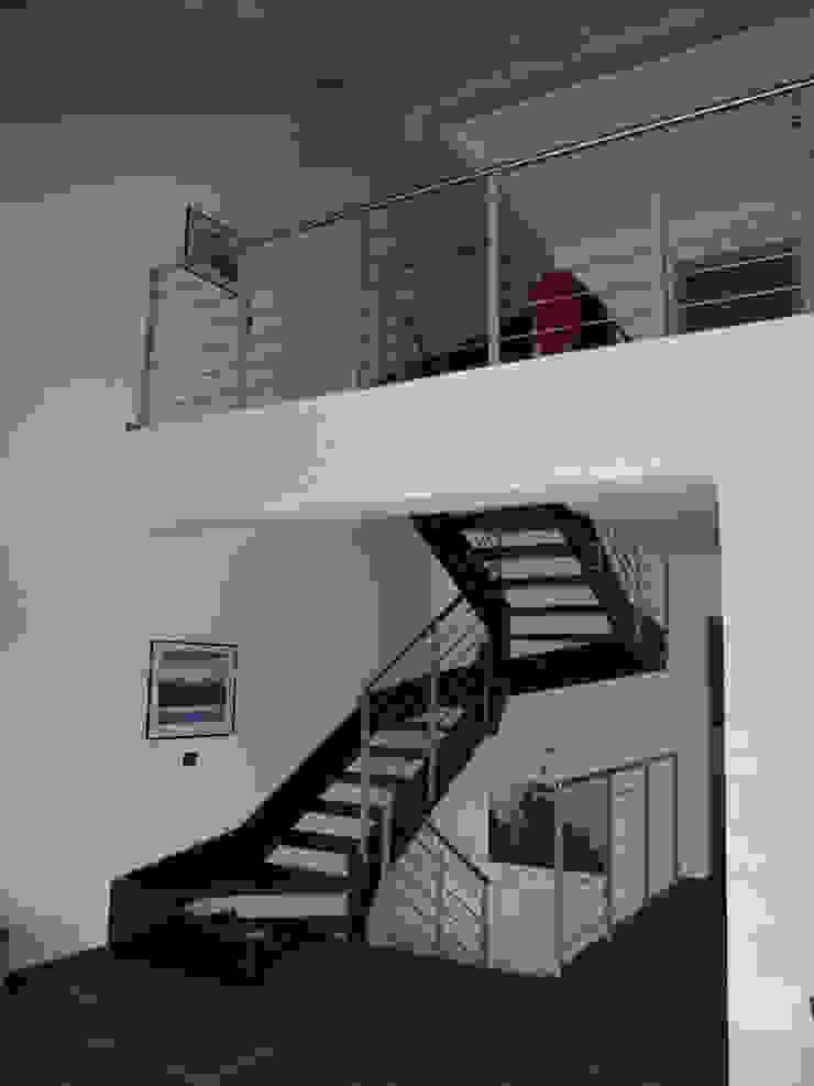 STUDIO ABACUS di BOTTEON arch. PIER PAOLO Pasillos, vestíbulos y escaleras de estilo rural