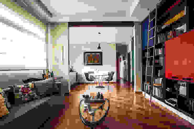 Sala estar/jantar Salas de estar ecléticas por Laura Serafini Arquitetura + Interiores Eclético