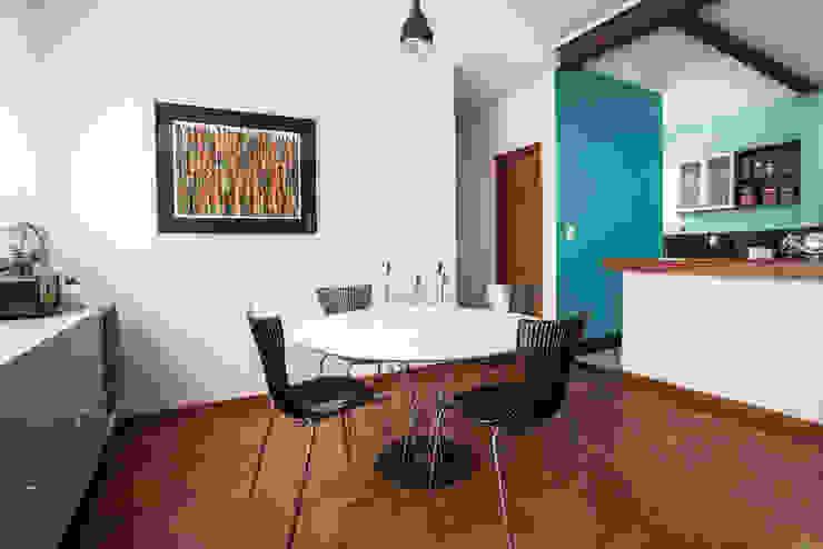 Sala jantar Salas de jantar ecléticas por Laura Serafini Arquitetura + Interiores Eclético