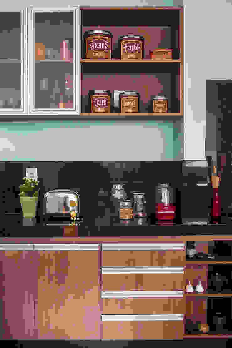 Cozinha Cozinhas ecléticas por Laura Serafini Arquitetura + Interiores Eclético