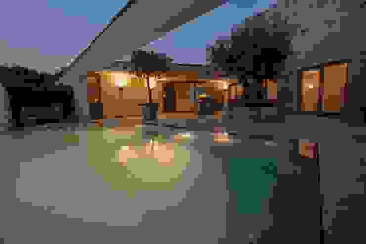 Engelman Architecten BV Modern pool