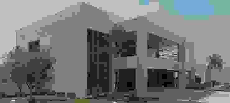 Casas modernas de RISQUE PROJETOS E ARQUITETURA Moderno