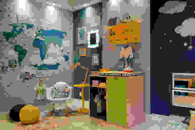 Mapa, quadrinhos e papel de parede. Centros de exposições modernos por Fina Stampa Moderno