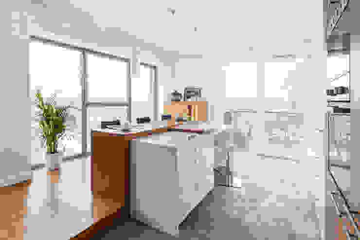 Кухня в стиле модерн от Decoroom Модерн