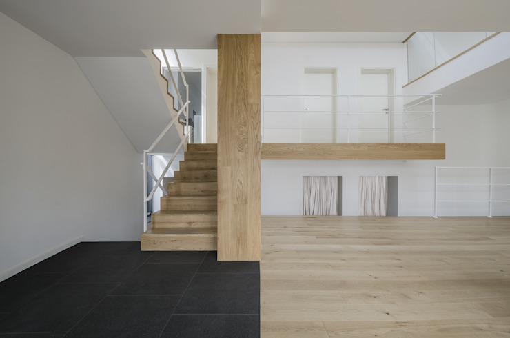 PAWEL LIS ARCHITEKCI Modern Corridor, Hallway and Staircase Wood Wood effect