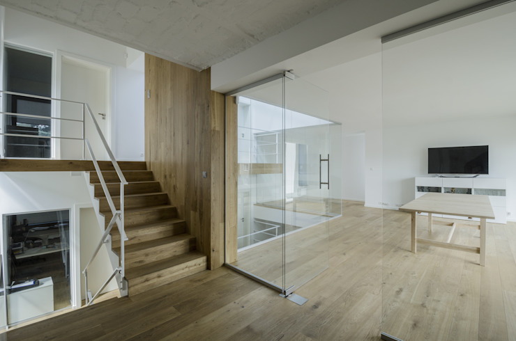 Modern Study Room and Home Office by PAWEL LIS ARCHITEKCI Modern Wood Wood effect