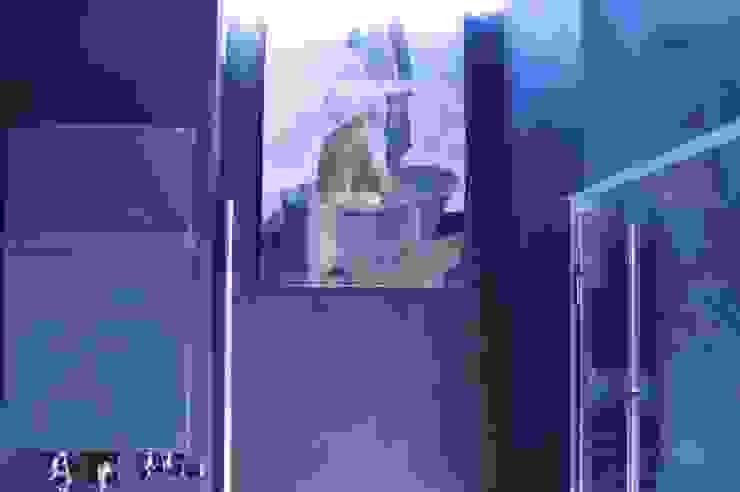 osiedle Ażurowych Okiennic Nowoczesna łazienka od GocaDesign Nowoczesny