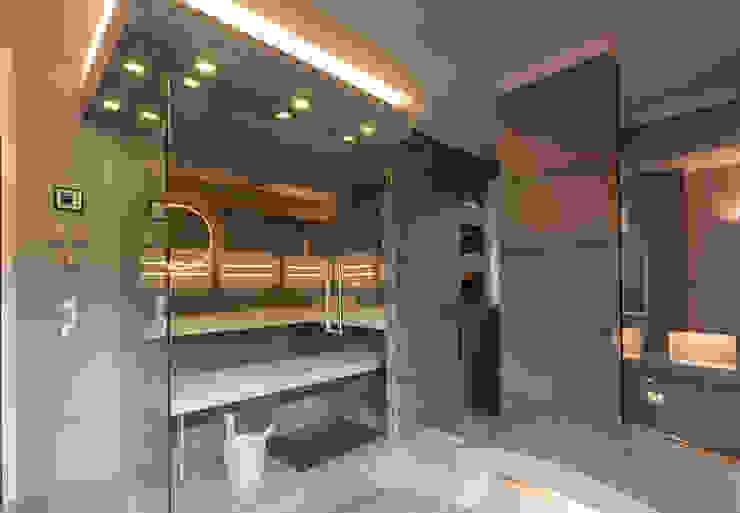 Referenz Nr. 2 من corso sauna manufaktur gmbh حداثي
