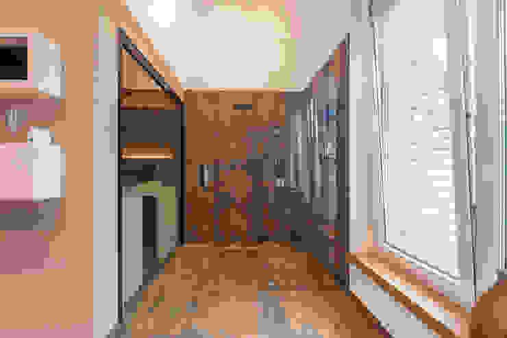 Referenz Nr. 1 Spa moderna di corso sauna manufaktur gmbh Moderno