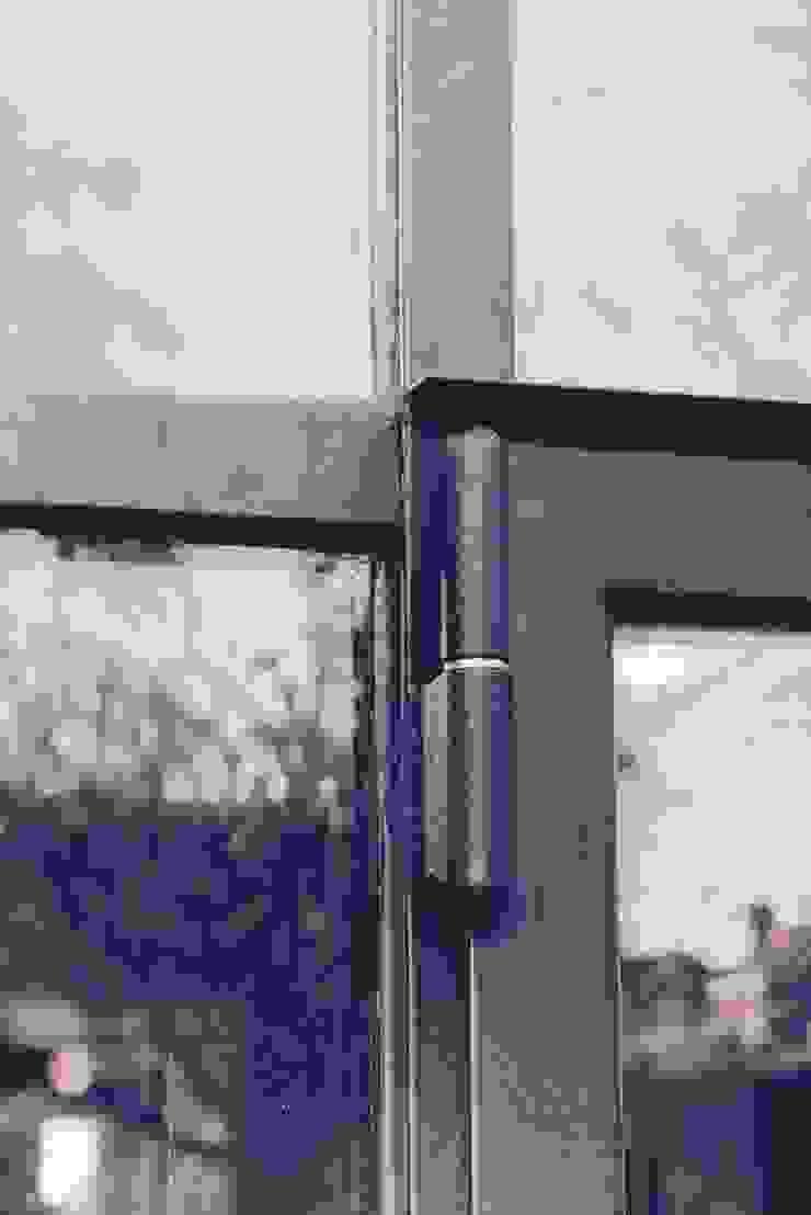 detail pui ddp-architectuur Minimalistische ramen & deuren Metaal Zwart