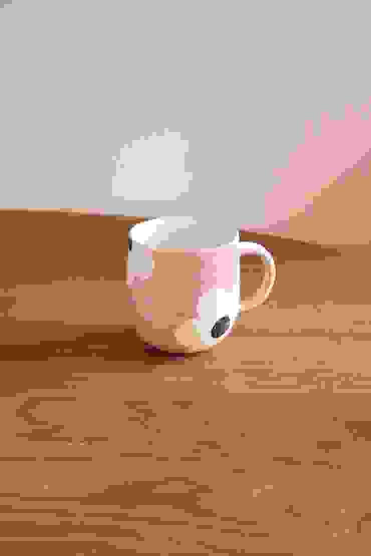 appliqueマグ: むくり工房が手掛けた折衷的なです。,オリジナル 陶器