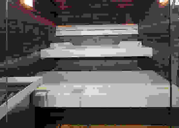 Kontrastreiche Sauna Skandinavischer Spa von corso sauna manufaktur gmbh Skandinavisch Holz Holznachbildung