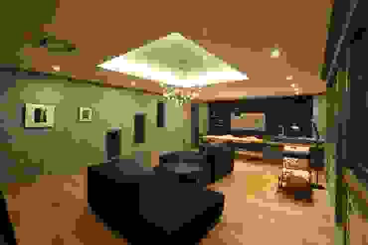 稲荷町の家(リノベーション) 北欧デザインの リビング の 株式会社CAPD 北欧