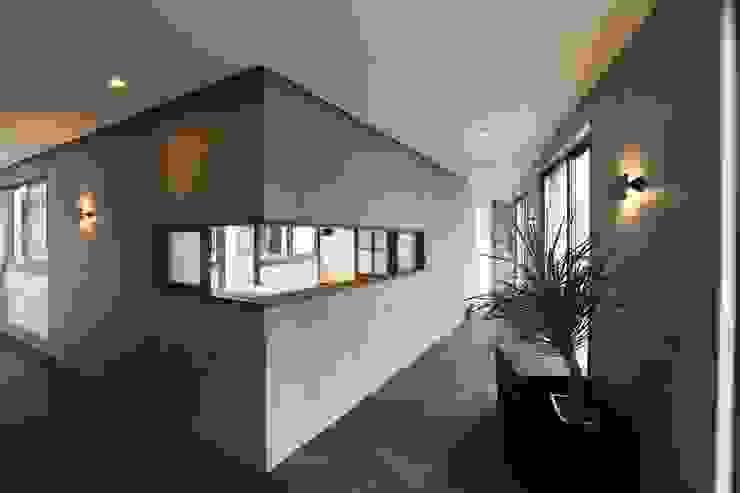 稲荷町の家(リノベーション) 株式会社CAPD 北欧スタイルの 玄関&廊下&階段
