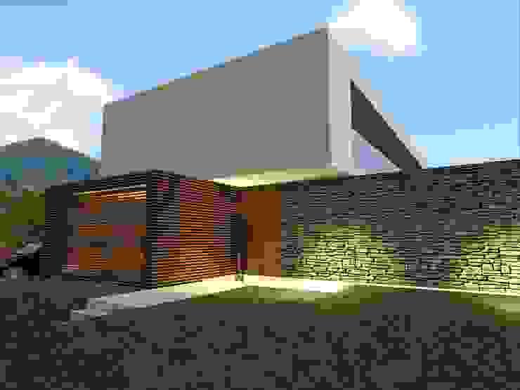 House in Lustosa Casas modernas por MO architect Moderno Betão armado