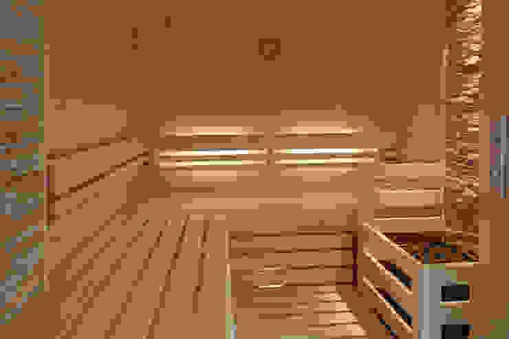 Beleuchtung hinter den Rückenlehnen Erdmann Exklusive Saunen Moderne Badezimmer