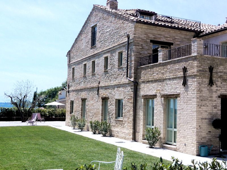 Houses by Ing. Vitale Grisostomi Travaglini, Rustic