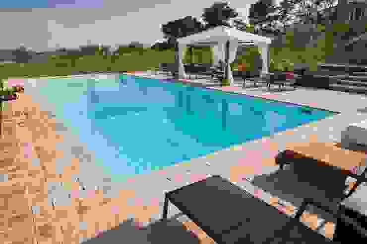 Pool by Ing. Vitale Grisostomi Travaglini, Rustic