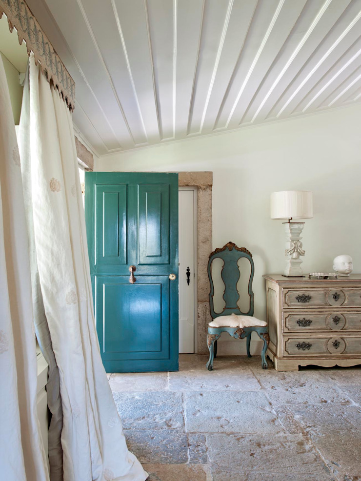 SA&V - SAARANHA&VASCONCELOS Pasillos, vestíbulos y escaleras de estilo rural
