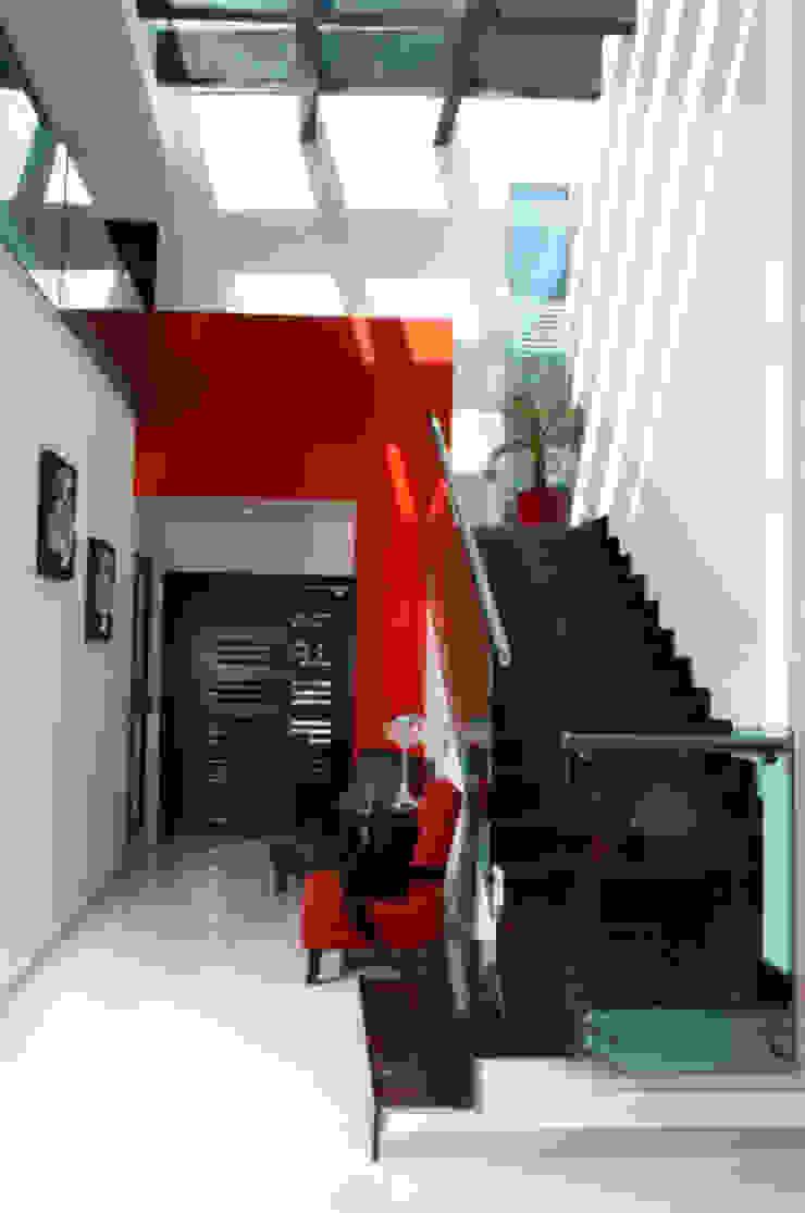 arketipo-taller de arquitectura Modern corridor, hallway & stairs