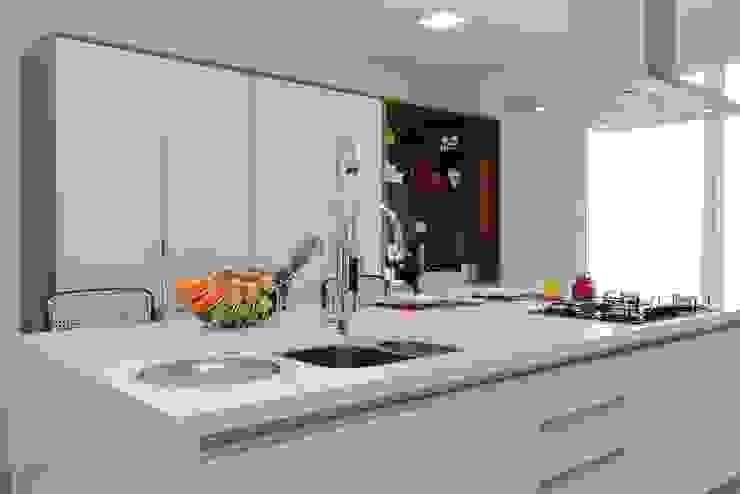 CASA PV59: Cozinhas  por criarprojetos | ARQUITETURA . INTERIORES . ENGENHARIA
