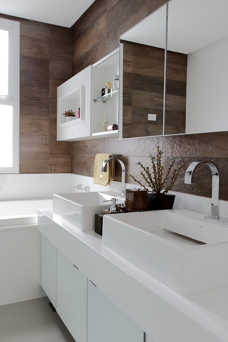 CASA PV59 Banheiros modernos por RODRIGO FONSECA | ARQUITETURA E INTERIORES Moderno