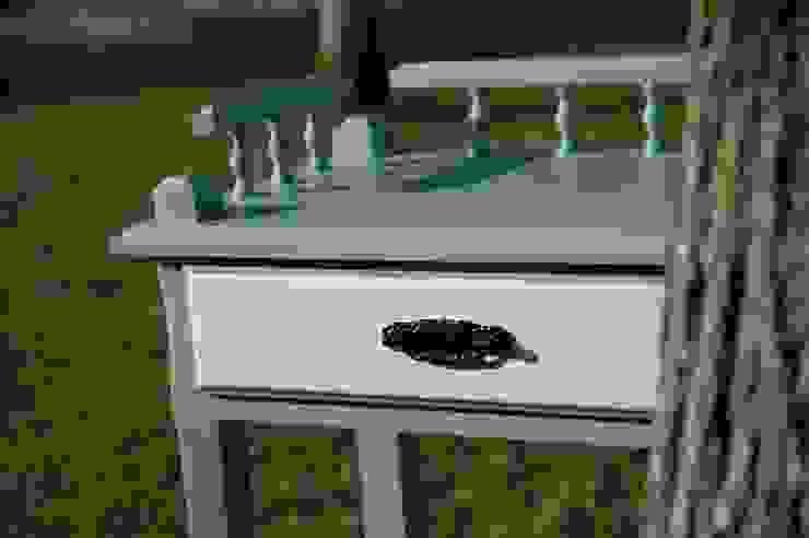 Mesa pintada por Pirata Design Rústico Madeira Acabamento em madeira